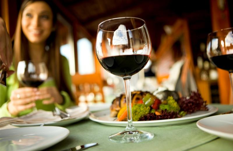 Fine dining at Elk Ridge Resort.