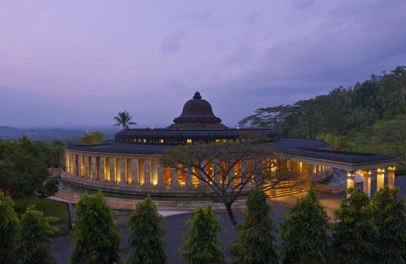 Exterior view of Amanjiwo.