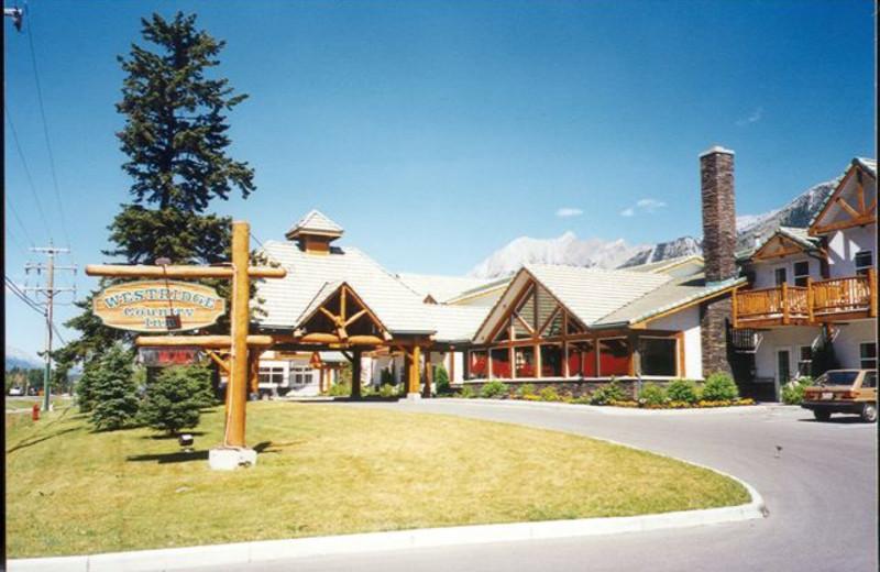 Exterior view of Westridge Country Inn.