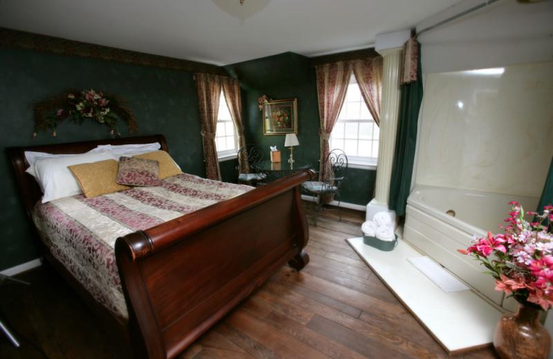 Carpenter bedroom at HideAway Country Inn.