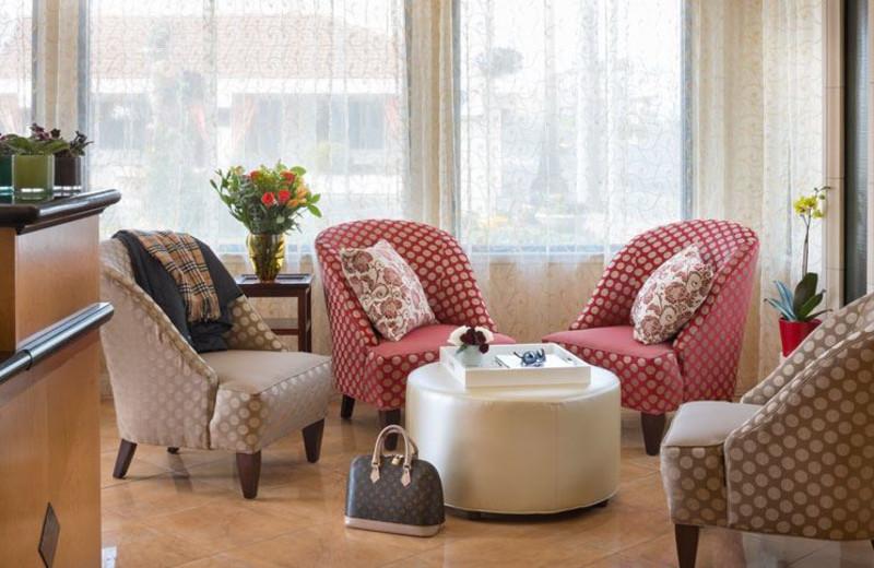 Lobby Area at Millwood Inn & Suites