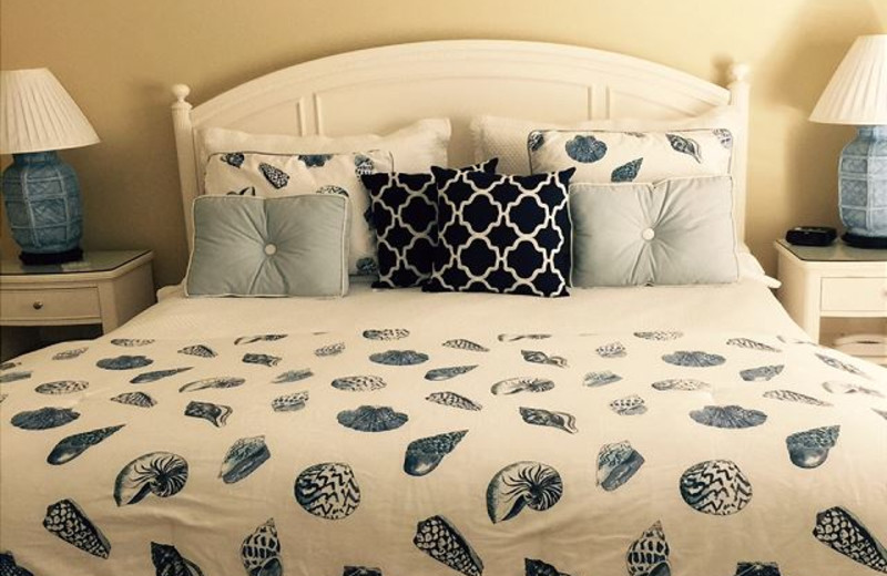 Rental bed at Sunnyside Beach & Tennis Resort.