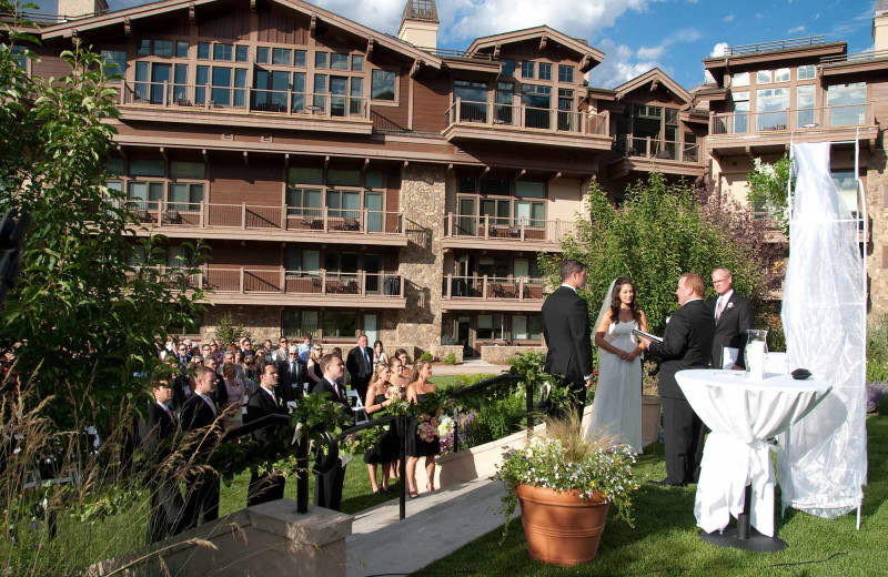 Weddings at Manor Vail Lodge.