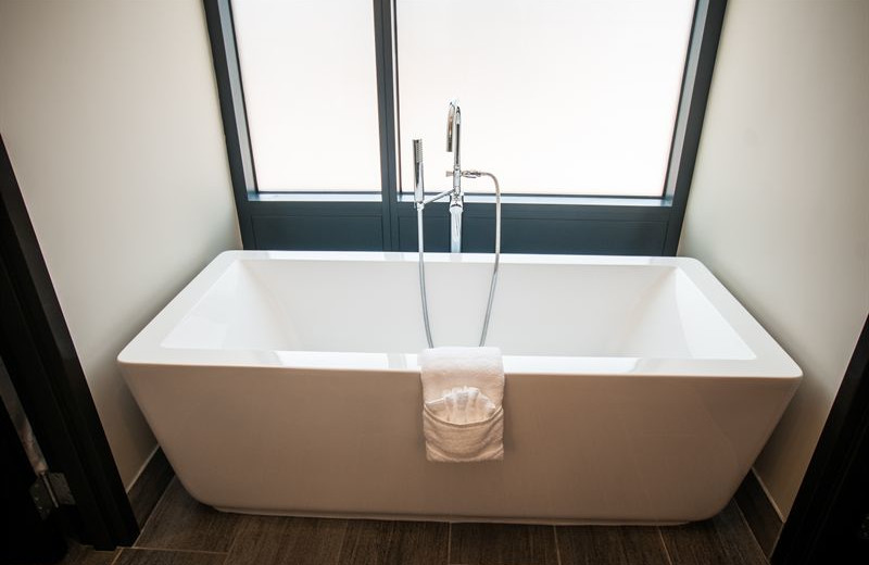 Guest bath at Kent State University Hotel.