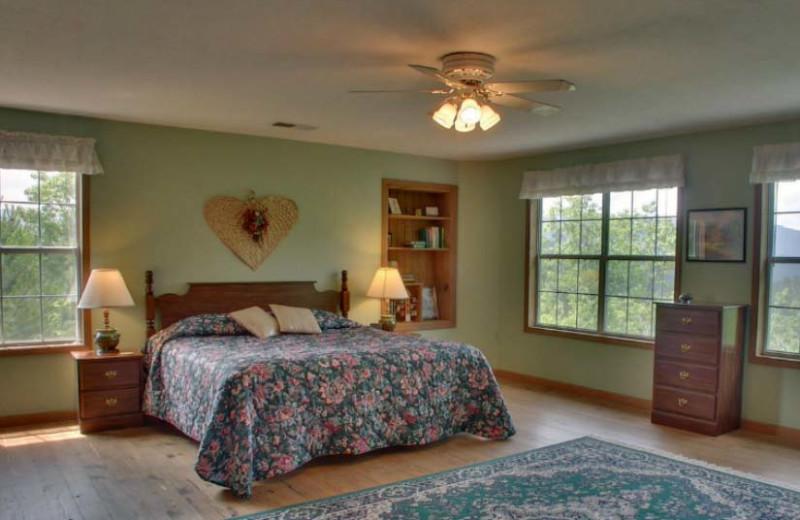 Laurel Mountain Cabins (Hiawassee, GA)