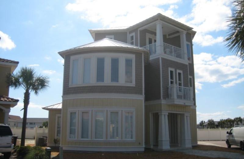 Rental exterior at Sandcastle Escapes.