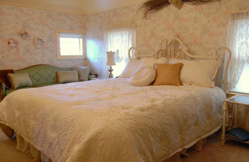 Guest room at Country Inn Bed and Breakfast.