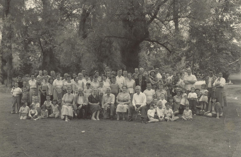 Family reunions at Lost Creek Guest Ranch.