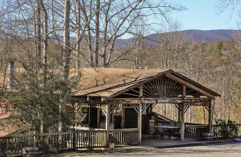 Exterior view of Forrest Hills Resort.
