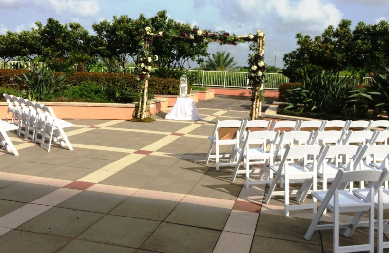 Weddings at Moody Gardens Hotel Spa & Convention Center.