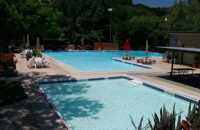 Outdoor pool at Heidelberg Lodges.