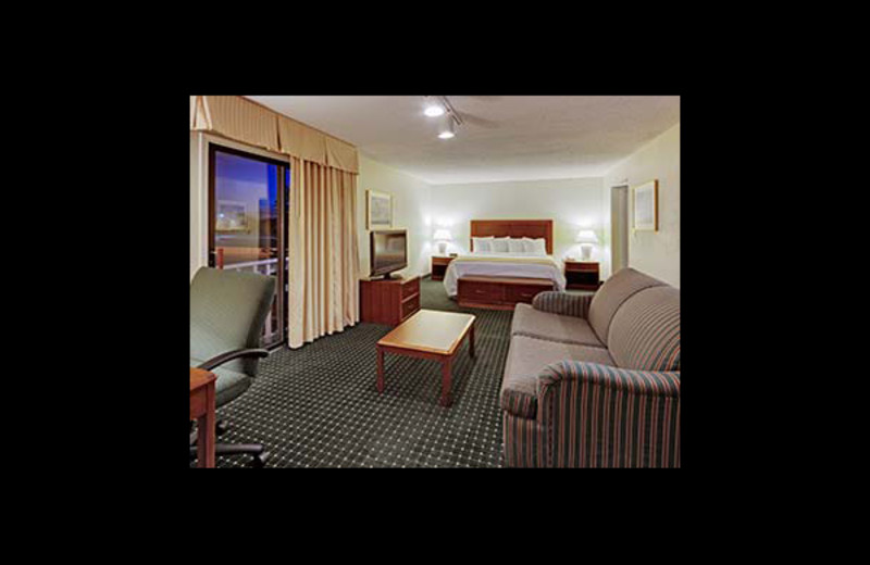 Guest room at Hawthorn Suites By Wyndham Dearborn.
