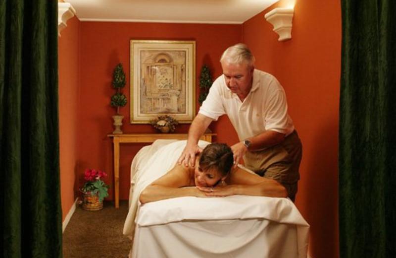 Spa Massage at Pepper Tree Inn