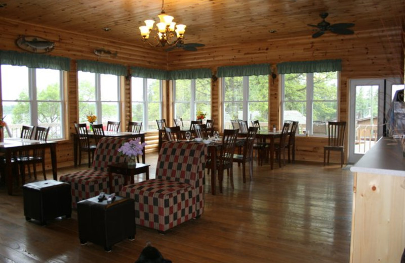 Dining Area at Indianhead Lodge