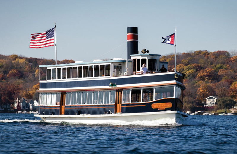Boat cruises at Inns of Geneva National.