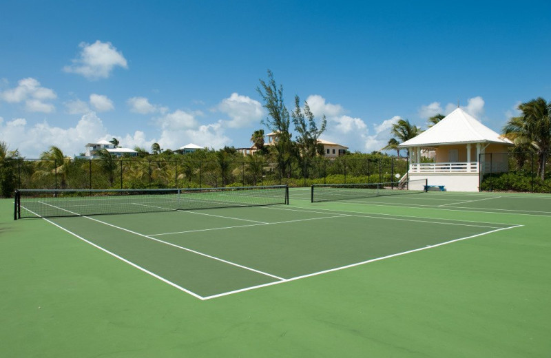 Tennis court near Villa Turquesa.