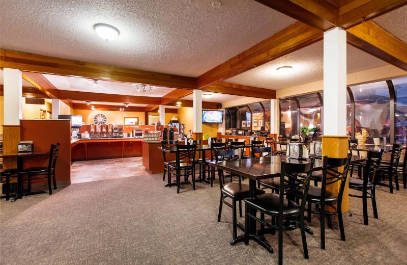 Dining at Mount Robson Inn.