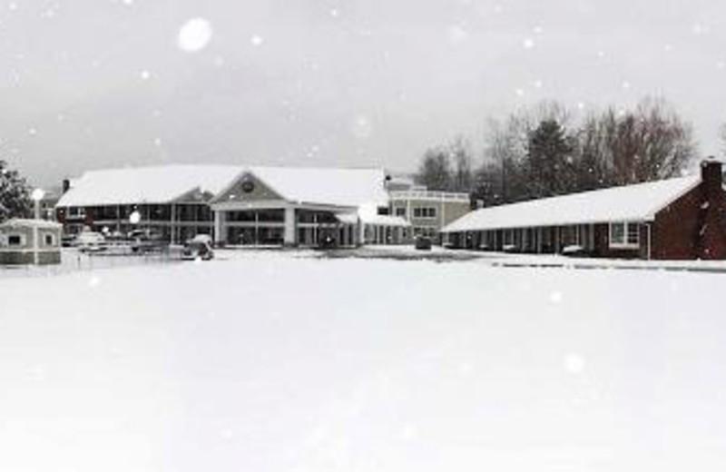 Exterior Winter View of Yankee Inn