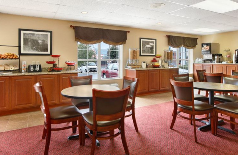 Continental Breakfast at Ramada Pigeon Forge North
