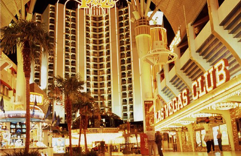 Plaza casino hotel vegas paixnidia 1001 poker