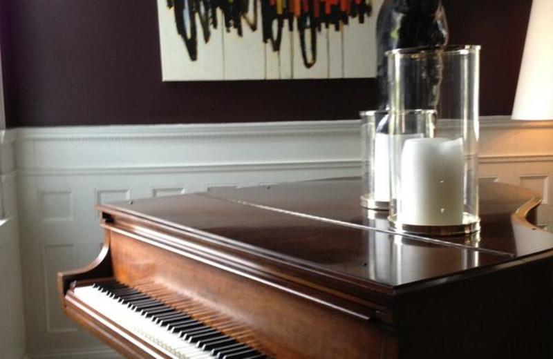Music Room at Kemble Inn