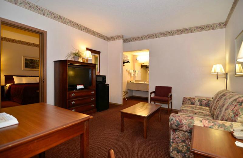 Suite Sitting Area at Comfort Inn West