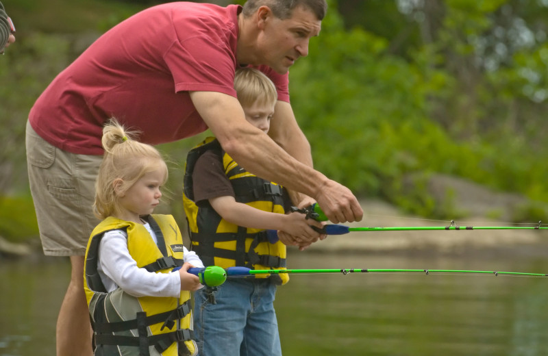 Family fishing at Tyler Place Family Resort.