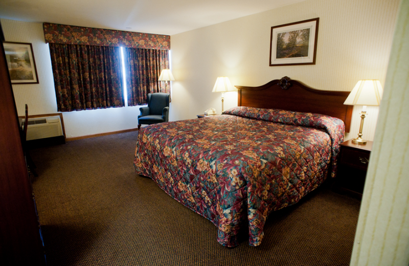 Guest room at East Norwich Inn.