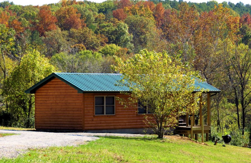Hot Tub Cabin in the Shawnee National Forest Near Garden of the Gods IL.  Closest Cabins to Garden of the Gods.