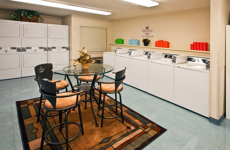 Complimentary laundry room at Candlewood Suites DETROIT-TROY.