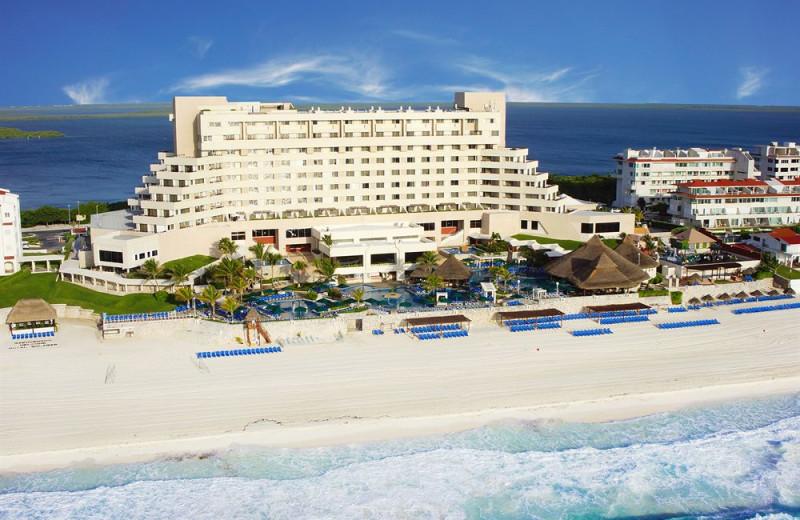 Exterior view of Royal Solaris Cancun Resort Marina and Spa.