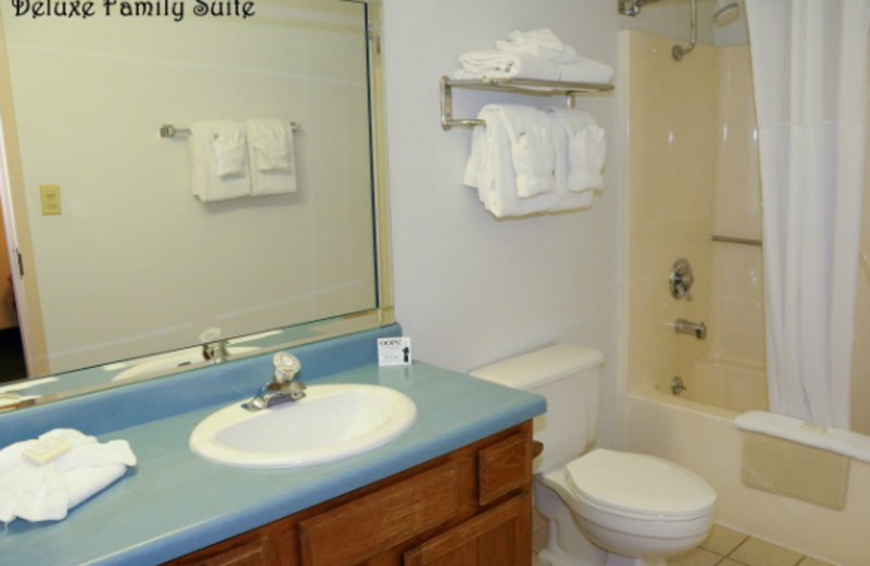 Guest bathroom at Clarion Hotel at The Palace.
