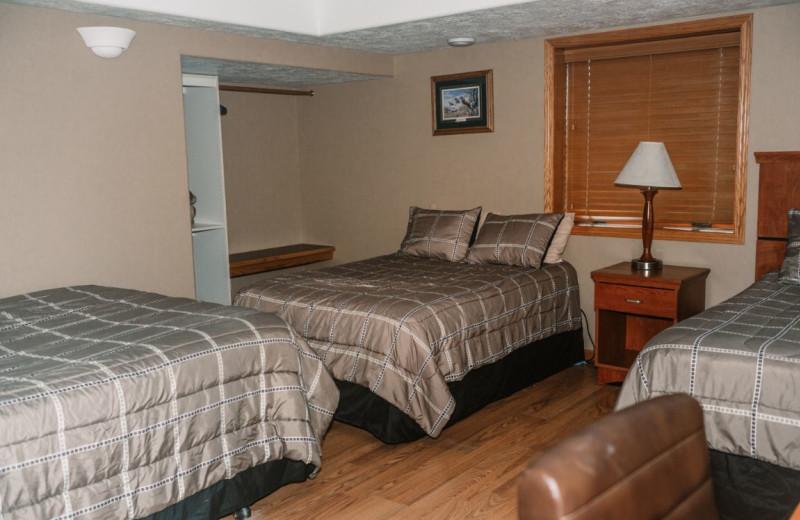 Lodge bedroom at Granite Springs Lodge.