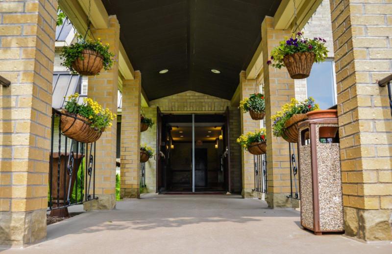 Front entrance at Elm Hurst Inn & Spa.