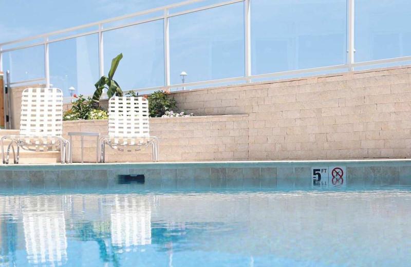 Pool at Surfbreak Oceanfront Hotel.