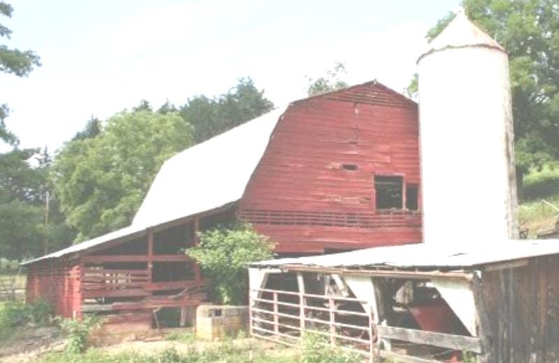 The Barn at Tuckasiegee River Mountain Lodge