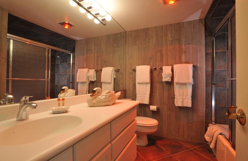 Rental bathroom at Frias Properties of Aspen - Chateau Roaring Fork #14.