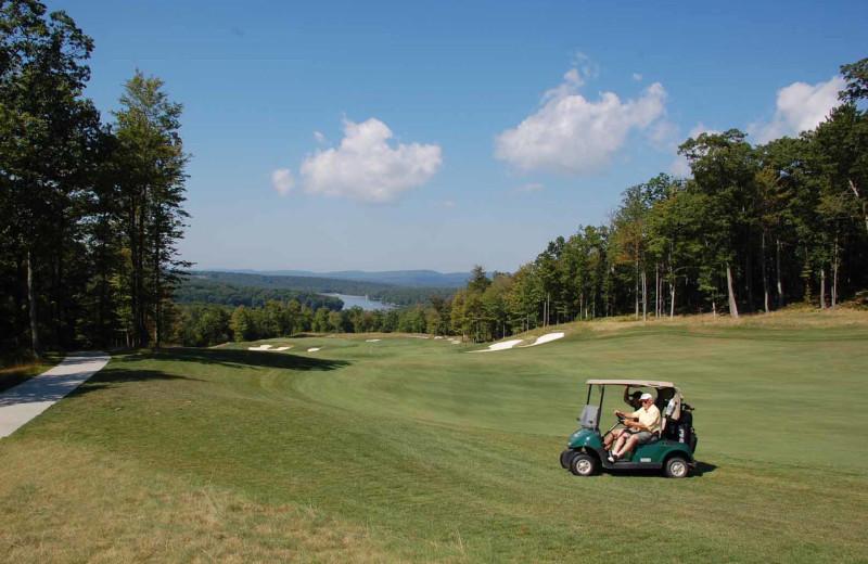 Golf course near Railey Mountain Lake Vacations.