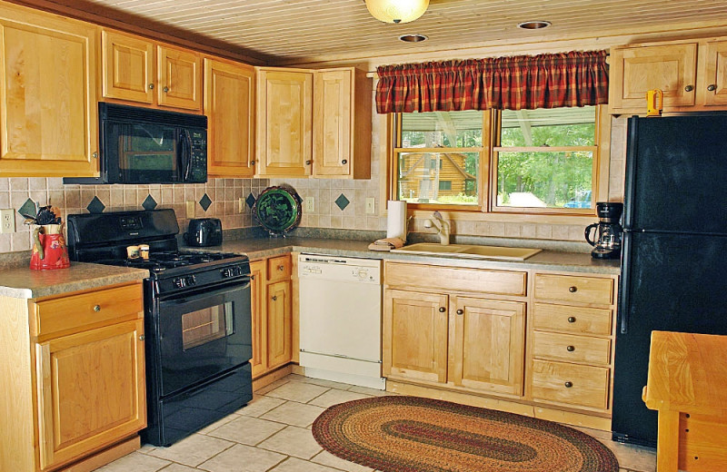 Cottage kitchen at The Beacons of Minocqua.