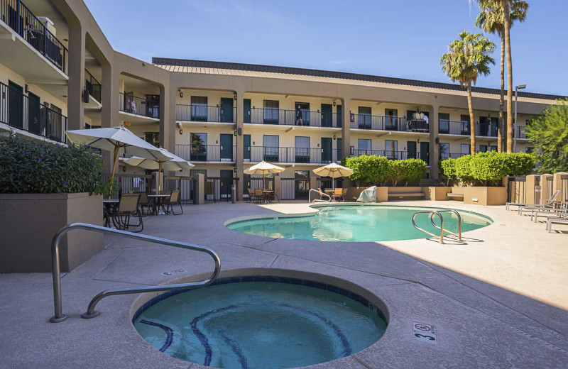 Outdoor pool at Quality Inn Phoenix North I-17.