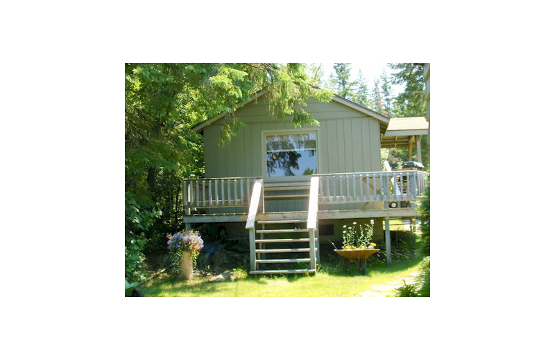 Cabin exterior at Eagle Wing Resort.