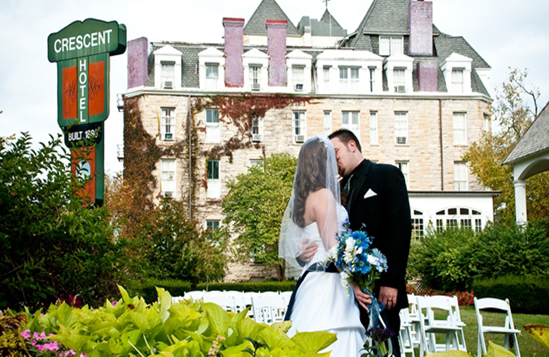 Stay in the Lookout Cottage Estate, located adjacent to Crescent Hotel for Wedding Ceremonies and Receptions.
