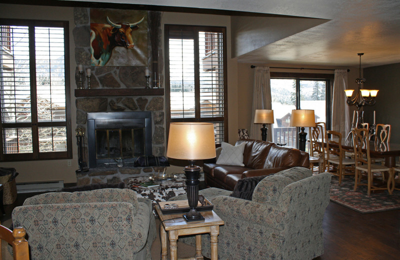 Guest living room at Cascade Village Condominiums.