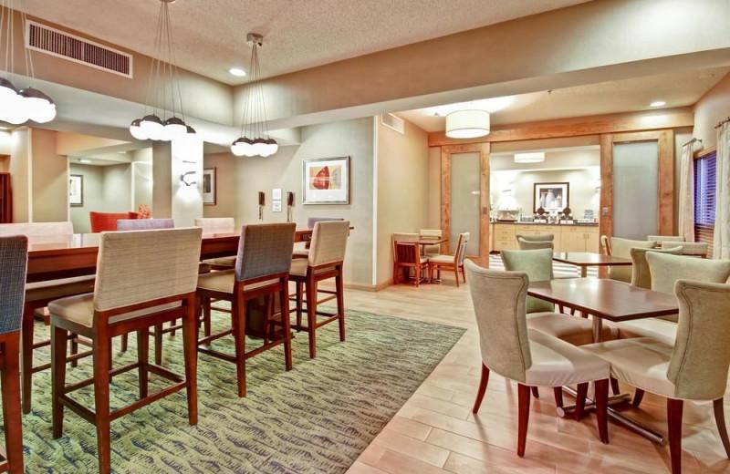 Dining at Hampton Inn Phoenix/Midtown/Dwtn Area.