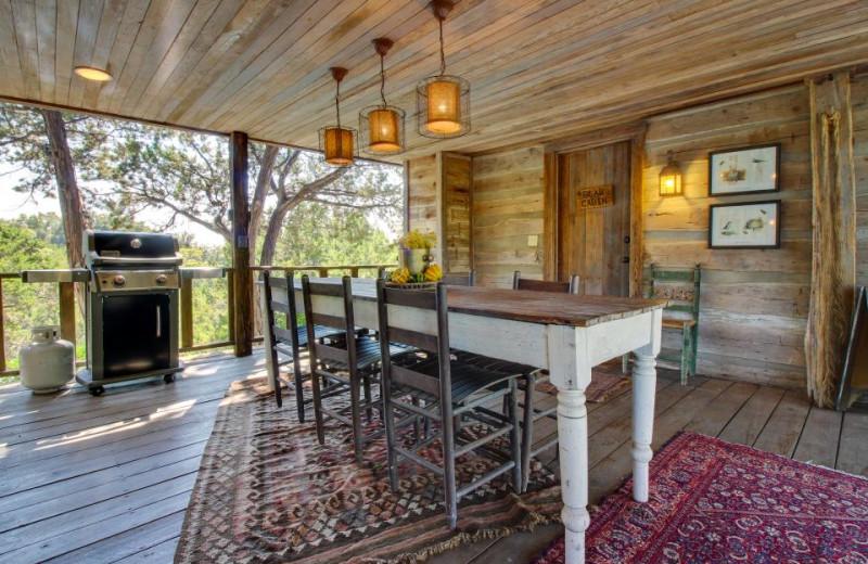 Rental dining room at Vacasa Fredricksburg.
