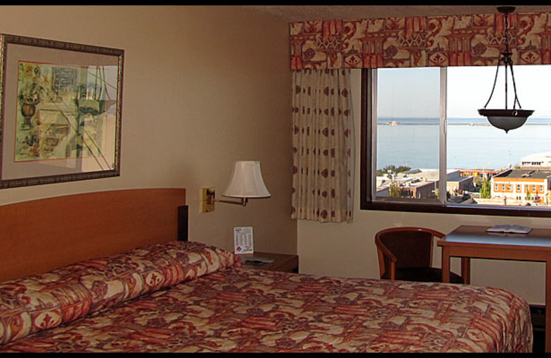 Guest room at Aggies Port Angeles Inn.