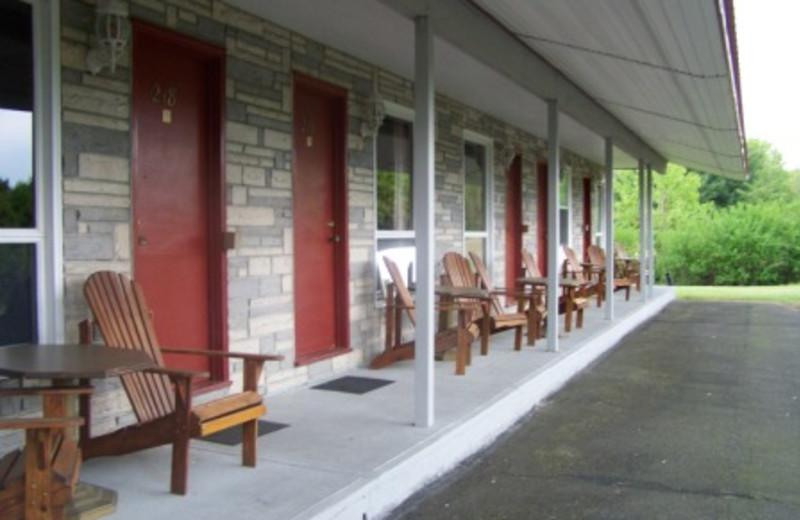 Exterior View of Golden Knight Inn