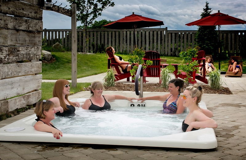 Hot tub at Strathmere Retreat & Spa.