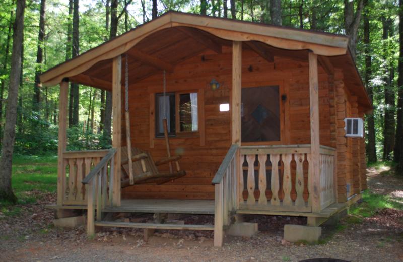 Cabin exterior at Lake Ridge Resort.