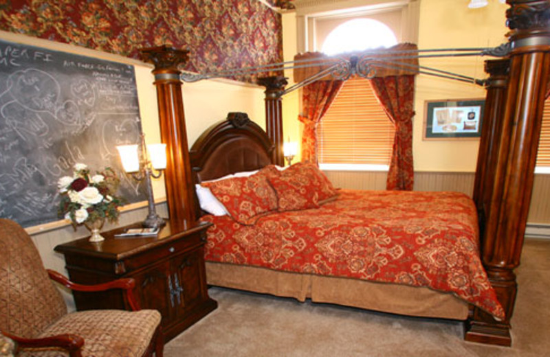 Lowell Thomas room at Carr Manor Historic Inn.